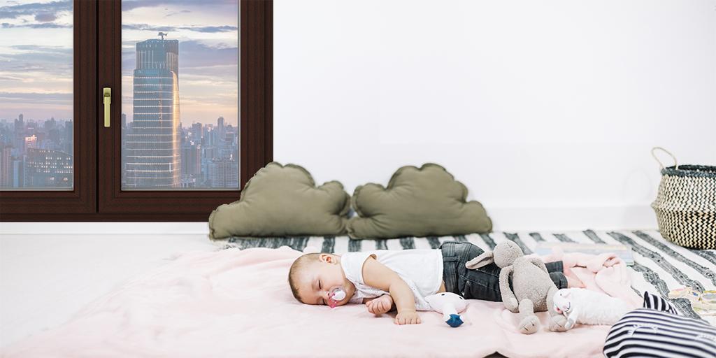 Silenzio e temperatura costante: finestre che favoriscono il sonno